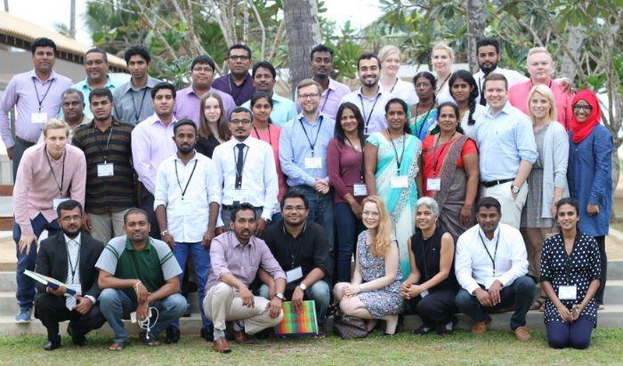 Osallistujat edustivat kahdeksaa eduskunta- ja 14 Sri Lankan parlamenttipuoluetta