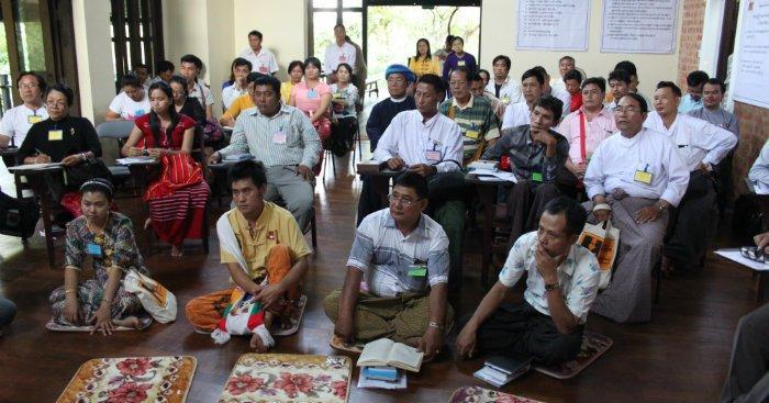 Koulutuksen osallistujat edustivat 22 eri puoluetta.