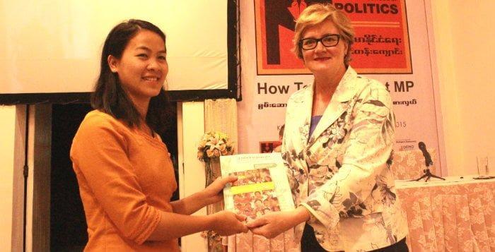 Myanmarin poliitikkakoulu tarjoaa monipuoluekoulutusta